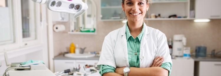 Кому в Польше на работу устраиваться проще: изменения в законодательстве для врачей и стоматологов