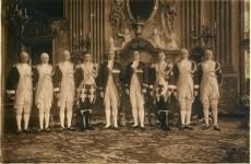 Камердинеры замка Ксенж в Комнате Максимилиана
