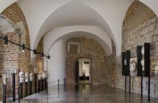 Выставка искусство Востока, постоянная экпозиция Королевского замка на Вавеле