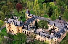 Замок-отель Кличкув в Польше
