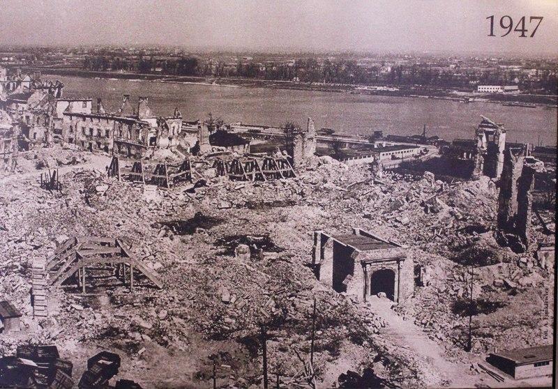 Руины Королевского замка в Варшаве, 1947 год