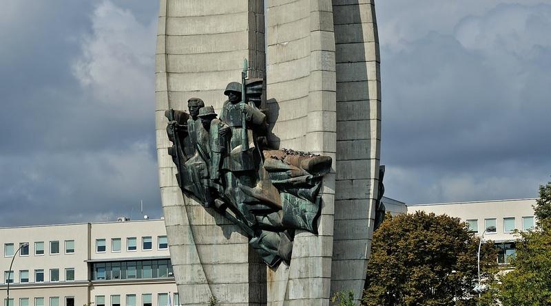 В Польше намерены снести 500 советских памятников