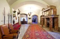 Замок Чоха в Польше: главный холл