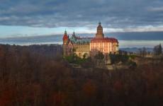 Ксенж: панорамный вид на замок