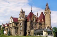 Замок в Мошне