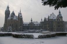 Замок Мошна в Польше