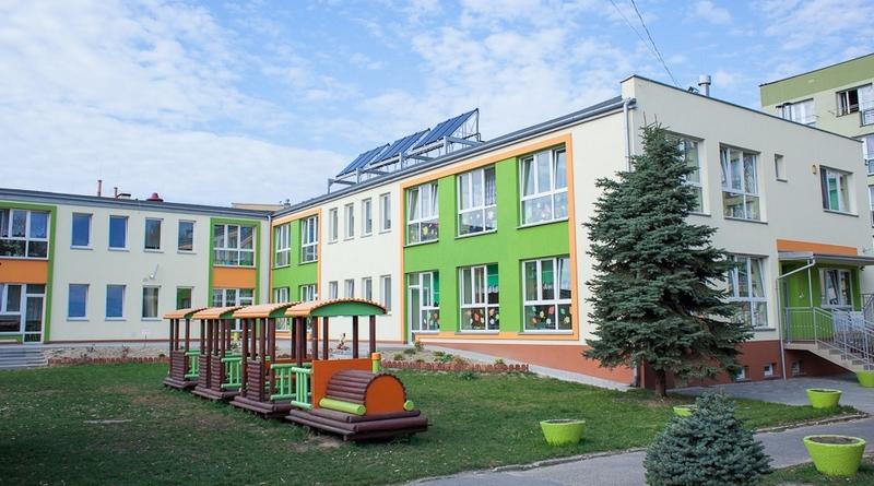 Здание государственного детского садика в Польше