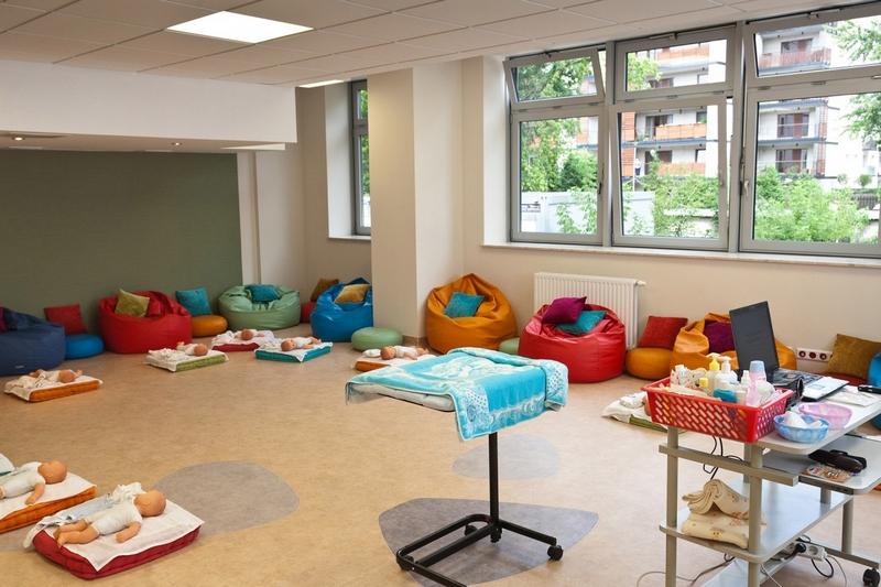 Так выглядит школа будущих мам в одной из клиник Польши