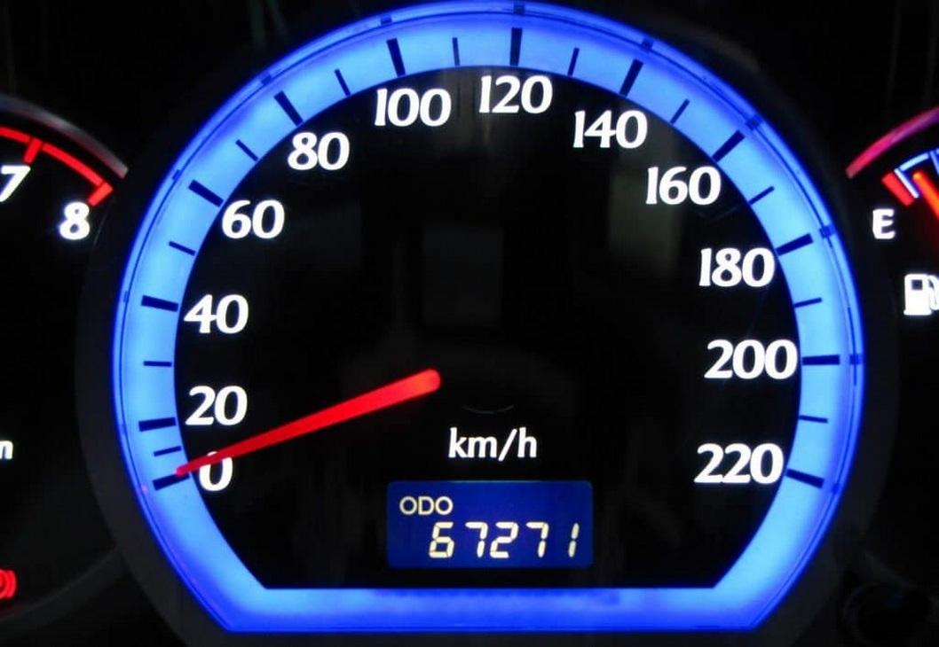 Пять лет за накручивание пробега автомобиля – польский законодатель принял новые поправки